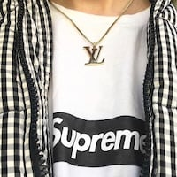 LV LOUIS VUITTON NECKLACE  27 km