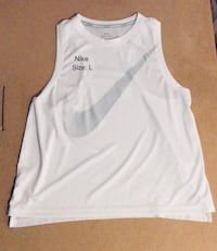White nike crop top Winnipeg, R2W