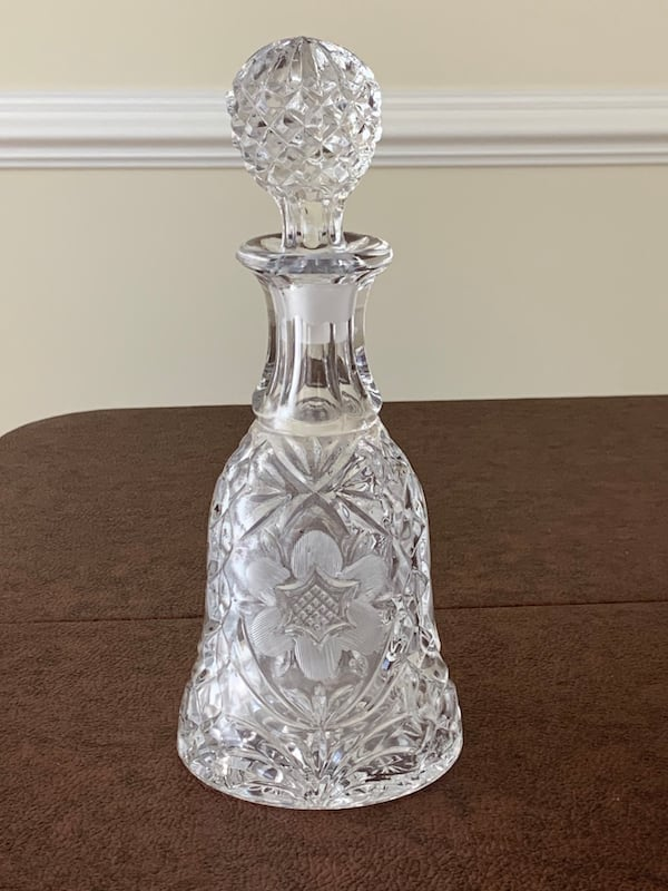 Vintage Pressed Glass Decanter with Etched Design & Glass Stopper 66a9ecfe-1469-4576-824d-9b8bd1e82b51