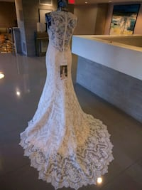 Soft cream all lace wedding gown size 6 Alexandria, 22304