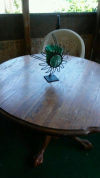 Sturdy wooden table Indianapolis, 46208