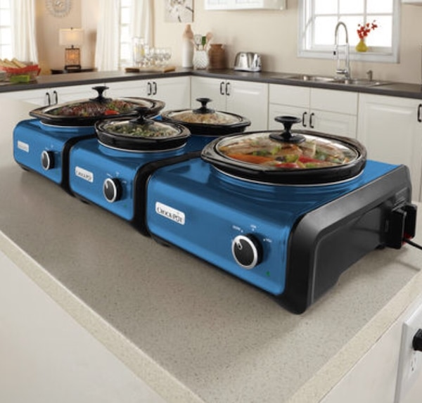 Two single and one double slow connectable cookers
