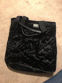 Velvety Black Victoria's Secret tote Washington, 20012