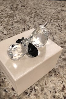 Crystal dog paperweight / new in box
