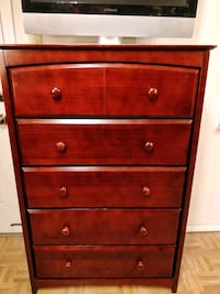Nice big chest dresser in very good condition, all Annandale, 22003