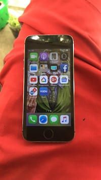 Space gray iphone 6 with black case Raleigh, 27610
