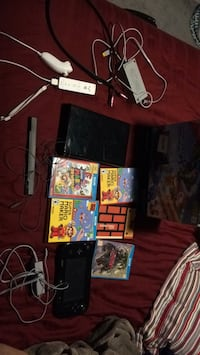 Nintendo wii u 32 gb. Burlington, L7L 7C1