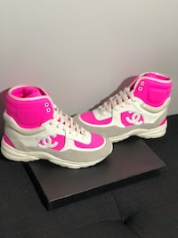 Chanel pink-and-white sneakers Los Angeles, 90028