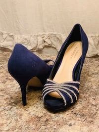 EUC blue suede rhinestone wedding shoes Brampton, L6R 3H9