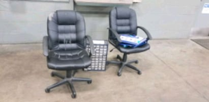 Chairs and organizer free