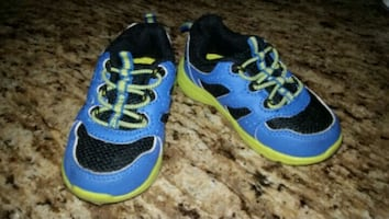 Boys green/blue sneakers size 6 toddler
