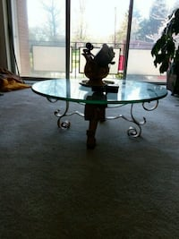 Glass Topped Coffee Table /Quality! Glen Rock, 17327