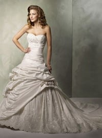 women's white sweetheart neckline wedding dress Toronto, M2R 1Z5