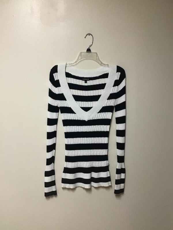 Women's EXPRESS Navy/off white horizontal striped V-neck sweater-small 32ba145c-9fa7-49b4-a13e-a0074985f5ae