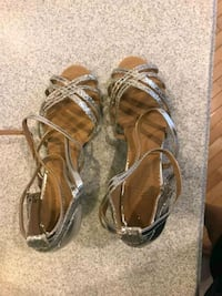 pair of brown leather sandals Fairfax, 22030