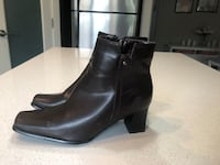 Women's Dark Brown Leather ankle boots , T7X 0W6