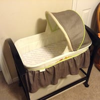 Wood bassinet (new like) Waterloo, N2J 4N7