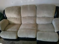 Couch need gone asap Milwaukie, 97267