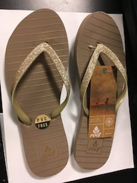 Flops 2 pairs *NEW* Vancouver, V6Z 3G5