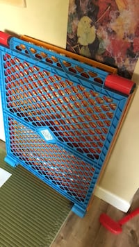 blue and red plastic safety gate Langley, V2Y 2A5