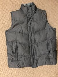Men's medium puffer vest Burnaby, V5C