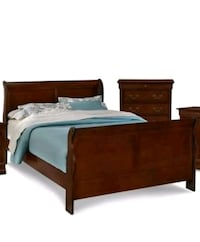 King bed with the mattress - Cherry Springfield
