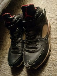The jordans are kinda tared so thats why there 15 Pueblo, 81004