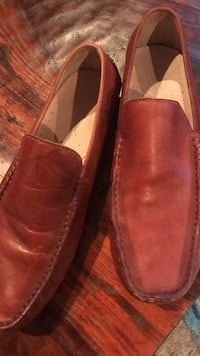 Kenneth Cole Leather slip ons 9