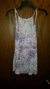 Women's tops size small Mounds View, 55112