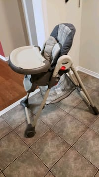 Baby feeding chair Brampton, L6R 3K4