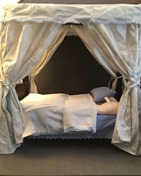 American Girl Doll Canopy Bed Excellent Condition Henderson, 89012