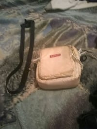 Supreme bag whit 2 bags makin deals   Houston, 77087