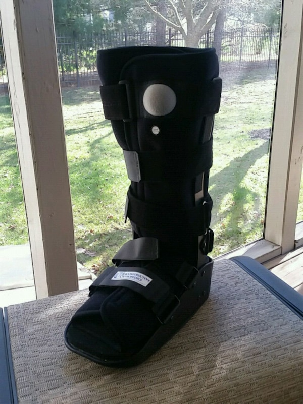 los angeles outlet boutique outlet on sale Donjoy Maxtrax Air Walking Boot (never worn)