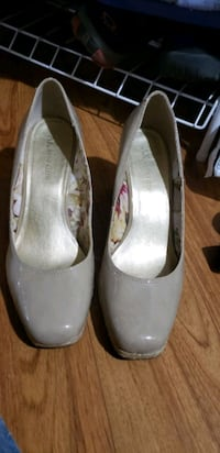 Anne Klein shoes  Cambridge, N1T 2E1