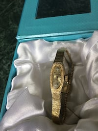 Beautiful Wittnauer Ladies Gold Watch Calgary