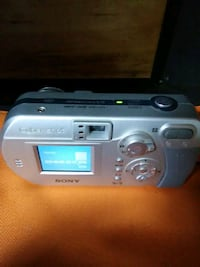 Sony Cyber Shot 3.2 Digital Camera. Mega Movie VX 38 km