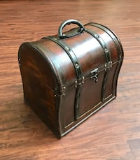 Decorative Small Wooden Chest - with Locking Latch Longwood, 32779
