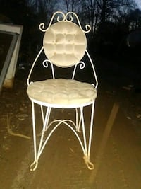 Vintage style chair for vanity