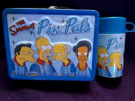 Simpson's multiple.  Action figures. Lunch Box