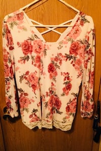 No Boundaries Lined Floral & Lace Top Bear, 19701