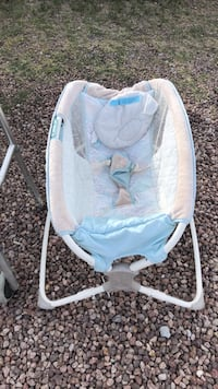 baby's white and blue bouncer Socorro, 79927