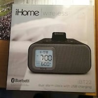 IHome Dual Alarm Clock with usb Charger.