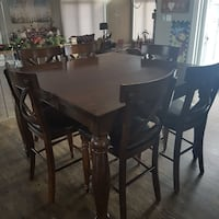 Pub Style Dining Room Table and 6 Chairs Welland, L3B 5N8