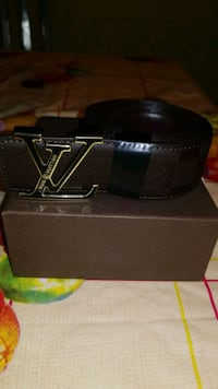 black leather Louis Vuitton belt with box Laval, H7K 3L7