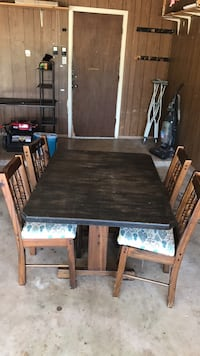 Solid wood table/4 chairs