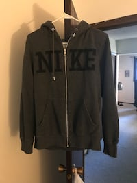 Men's Medium Nike zip-up hooded sweatshirt Ames, 50014