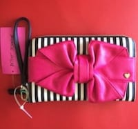 Betsy Johnson Bow Bag $20 Lowell, 01852