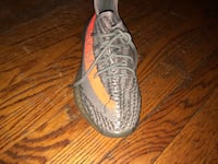 unpaired gray Adidas Yeezy Boost 350 Capitol Heights, 20743