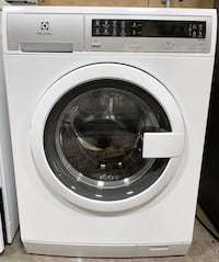 NEW Electrolux Washer with Steam Apartment Size (Finance Available) Middletown, 06457