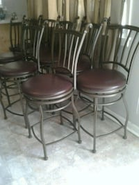 Swivel bar stools only 8 months old Richland, 39218